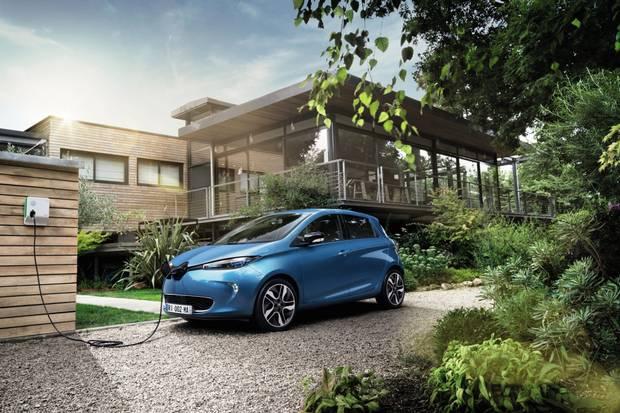 Voiture hybride ou électrique ? La technologie des voitures électriques et hybrides rechargeable expliquées