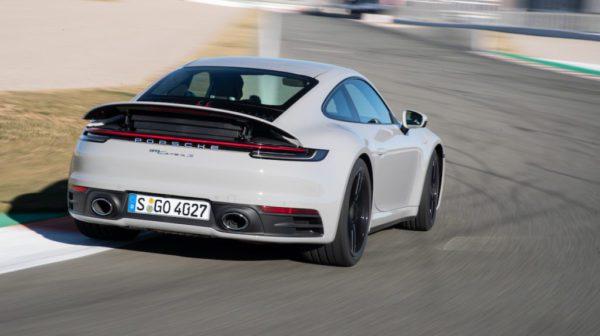 La Porsche 911 992 aura bientôt d'autres variantes: les 911 Carrera S et Carrera S 4 Cabriolets feront leurs débuts mondiaux au salon de Genève en mars