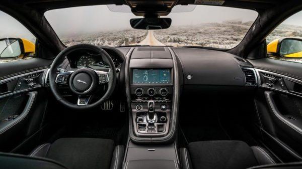 Jaguar F-Type P450 2020 intérieur