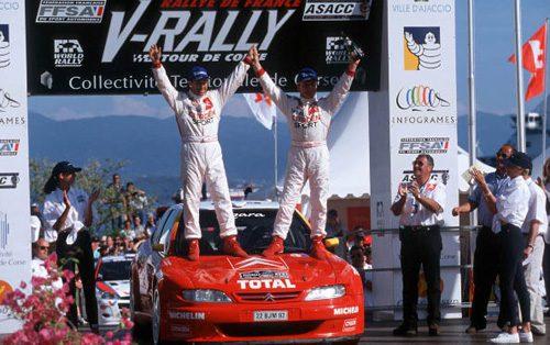 Philippe Bugalski, a bord d'une Xsara kit Car, remporte le rallye de France 1999, le fameux tour de Corse