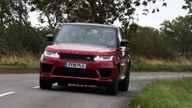 Range Rover Sport en virage