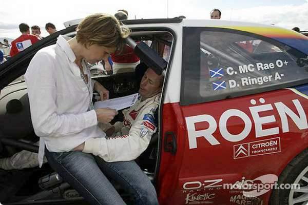 Colin McRae un ancien champion du monde des rallyes