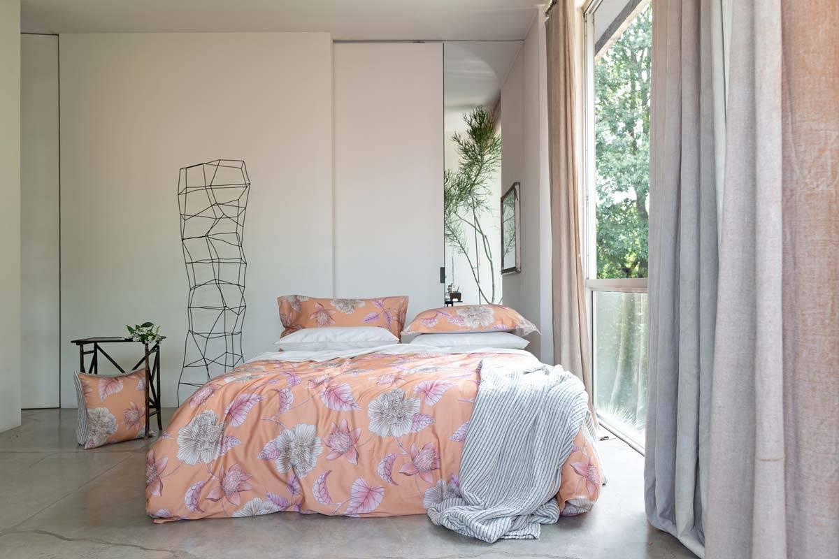 Arredare casa comporta uno studio d'insieme e richiede l'elaborazione di un progetto che consideri le scelte di tendenza, le proposte di design e il gusto personale. Tendenze Arredo 2020 I Colori Per La Casa Nei Mesi Caldi Carillo Home