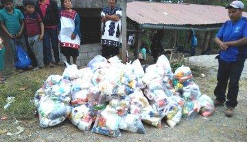 Tercera etapa: Entrega de las ayudas a los desplazados de ambas parroquias