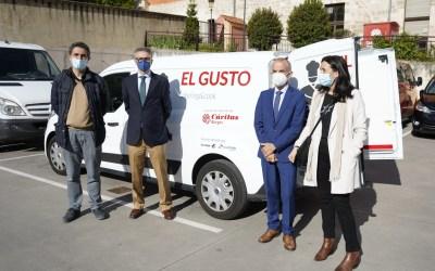 Las fundaciones Cajacírculo e Ibercaja entregan un vehículo para el catering El Gusto