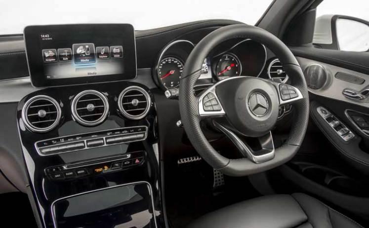 Mercedes-GLC-interior