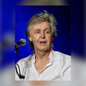 Toby Regbo: LETTERS FROM... lettere Paul McCartney In concerto nel 2018 (Wikipedia)