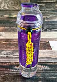 DIY Paracord Water Bottle Holders | Carla Schauer Designs