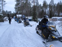 20151226 LAPLAND Snowmobile4