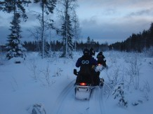 20151226 LAPLAND Snowmobile6