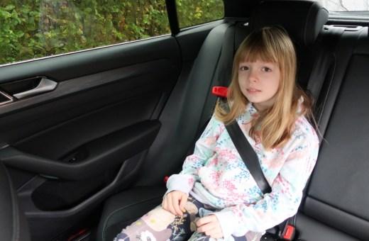 Børn i bilen: Ny seleløsning virker smart