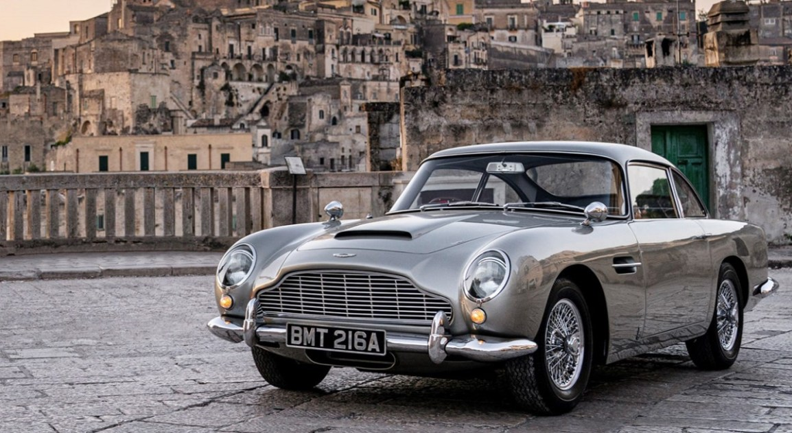 Aston Martin stærkt tilbage i ny James Bond-film