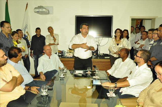 Isaac secretários: Foto Ascom PMJ/divulgação