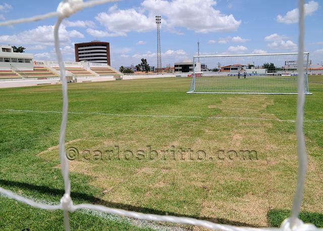 estádio paulo coelho_640x457
