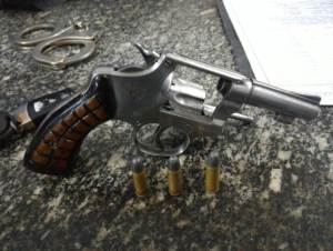 arma-de-fogo-revolver
