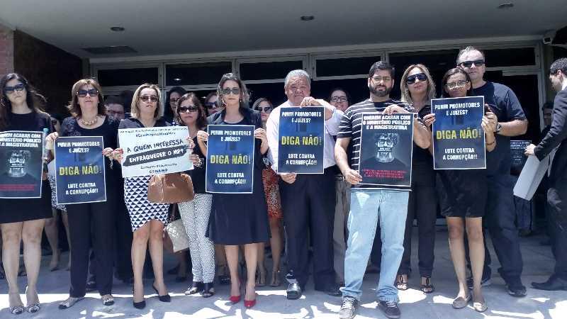 protesto-juizes-e-promotores-petrolina