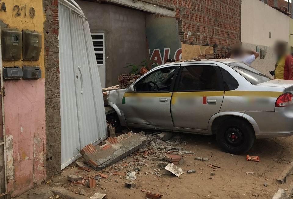 taxi-acidente-bairro-joao-de-deus