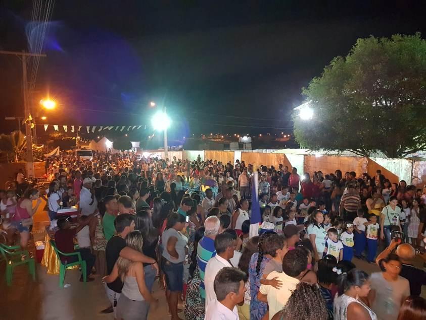 Resultado de imagem para Desfile cívico e shows marcam comemorações pelos 44 anos de fundação de Izacolândia