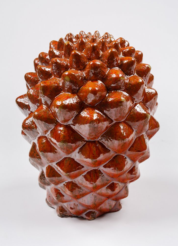 Cactus 16 (vista 1). 17 cm x 12 cm 13 x cm. Cerámica ase de madera, ceniza volcánica teñida con oxidos de hierro y de manganeso.