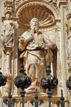 San Pedro en la Portada de la Colegiata