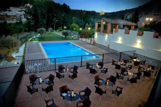 La terraza de la piscina