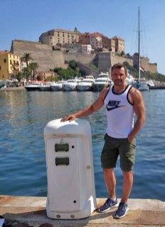 Carlos de Viaje en Calvi