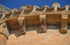 Canecillos románicos