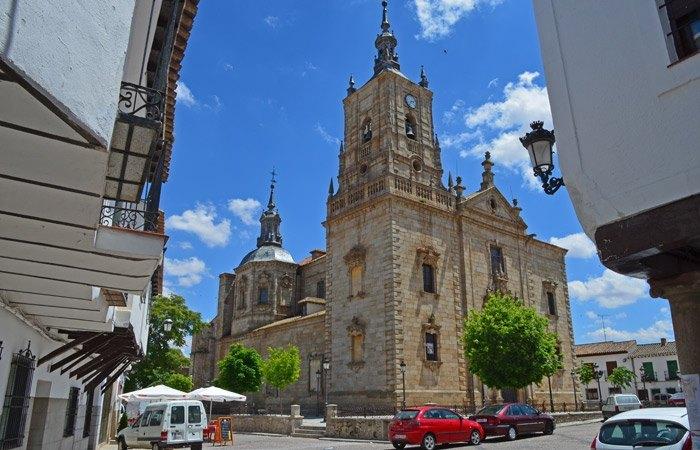 Iglesia de Santo Tomás Apóstol (Churriguera)