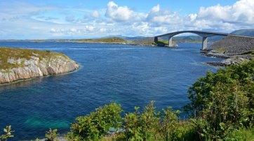 Carretera del Atlántico. Islas y Puente Storselund