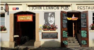 Isla de Kampa. John Lenon Pub