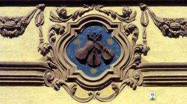 Malá Strana. Insignia de la Casa de los Violines