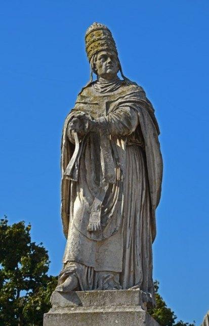 Estatua del Papa Eugenio IV
