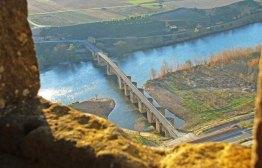 Puente Medieval sobre el río Ebro