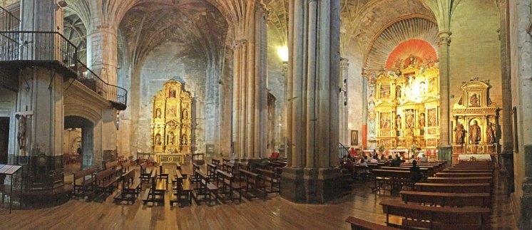 Panorámica del interior de Sª Mª de los Reyes