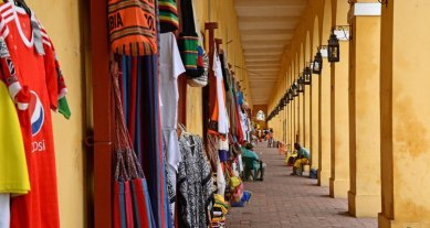 Mercado de Artesanía de las Bóvedas