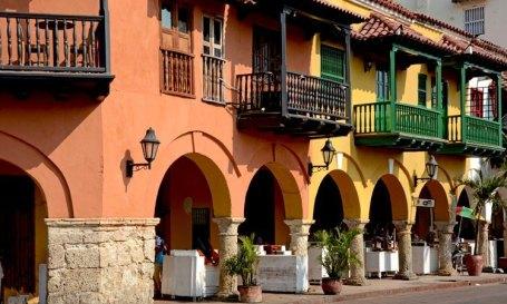 Plaza de los Coches. Portal de los Dulces