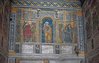 Frescos en capillas laterales