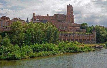 Palacio de la Berbie desde el río Tarn