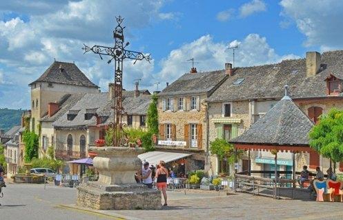 Cruz - Place du Faubourg