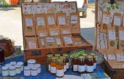 Miel e infusiones locales en el mercado