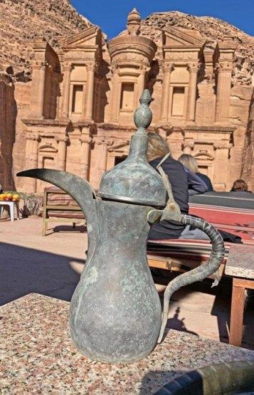 Tipica tetera árabe