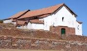Chinchero. Muros Incas e Iglesia de Santiago