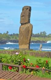 Moai en La Caleta (Hanga Roa)