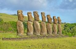 Los siete moai de Ahu a Kivi