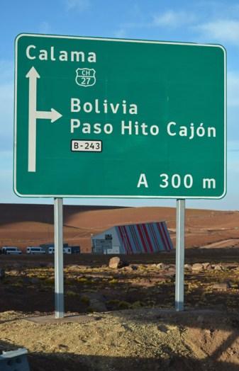 Cartel en el Paso Hito Cajón - Frontera Chile/Boliva