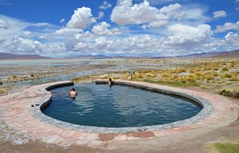Una de las dos piscinas de Polques