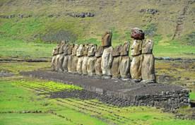 Los moai miran hacia el oeste, al interior de la isla
