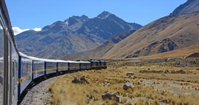 Tren del Titicaca. Santa Rosa. Pico San Pedro