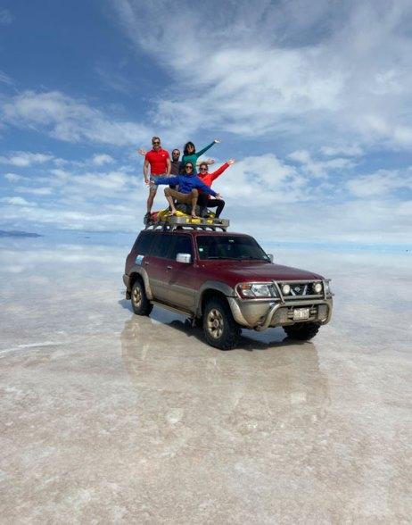 En nuestro 4x4 sobre el Salar de Uyuni
