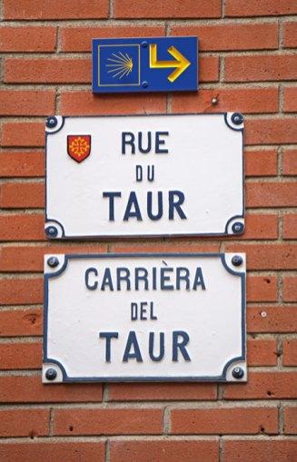 Carteles en francés y occitano
